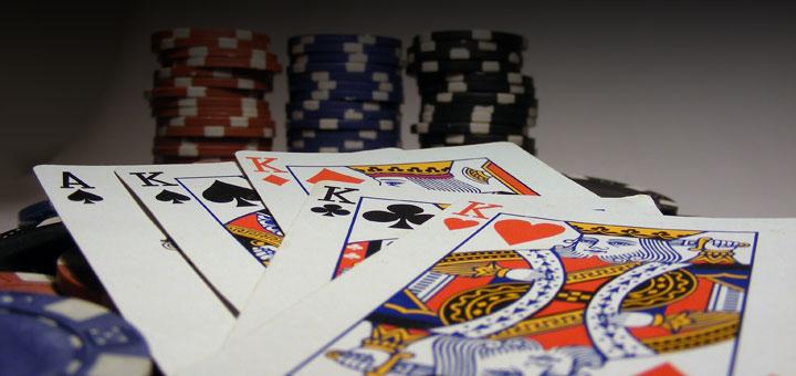 bases-poker